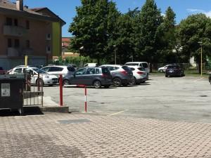Parcheggio fronte sala